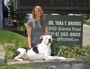 dr-tara-brooks-vet-sign